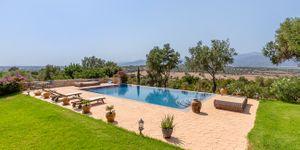 Beautiful villa with large pool in Santa Magdalena (Thumbnail 2)