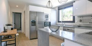 Modern villa with large garden plot for sale in Sol de Mallorca (Thumbnail 7)