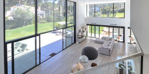 Modern villa with large garden plot for sale in Sol de Mallorca (Thumbnail 6)