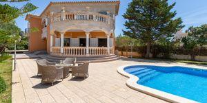 Mediterranean villa with sea views in Sa Torre (Thumbnail 3)