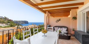 Sea view apartment in the picturesque fishing port of Port Andratx (Thumbnail 1)
