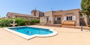 Haus mit Pool in ruhiger Wohnlage nahe zum Golfplatz Maioris (Thumbnail 1)
