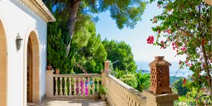 Meerblick Villa im mediterranen Stil unweit in den Ort (Thumbnail 1)