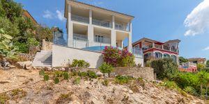 Modernisierte Villa mit fantastischem Meerblick über die Küste (Thumbnail 4)