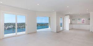 Modernisierte Villa mit fantastischem Meerblick über die Küste (Thumbnail 9)