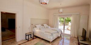 Elegante Luxus Villa auf großem Grundstück und Panoramablick (Thumbnail 10)
