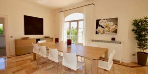 Elegante Luxus Villa auf großem Grundstück und Panoramablick (Thumbnail 7)