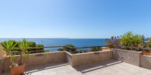 Sea view apartment with large terrace in Illetes (Thumbnail 1)