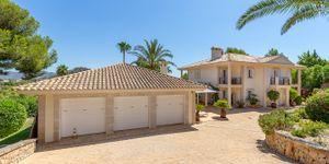 Luxury villa with sea views and a fantastic plot in Santa Ponsa (Thumbnail 4)