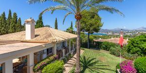 Luxury villa with sea views and a fantastic plot in Santa Ponsa (Thumbnail 5)