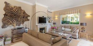 Luxury villa with sea views and a fantastic plot in Santa Ponsa (Thumbnail 8)