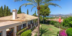 Luxury villa with sea views and a fantastic plot in Santa Ponsa (Thumbnail 5)
