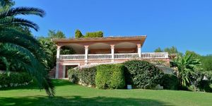 Manorial villa with sea views in Son Vida (Thumbnail 1)