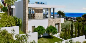 New villa for sale in outstanding location in Nova Santa Ponsa (Thumbnail 5)