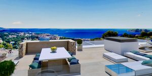 New villa for sale in outstanding location in Nova Santa Ponsa (Thumbnail 4)