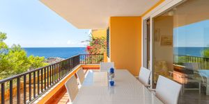 Sea view apartment in first sea line for sale (Thumbnail 1)