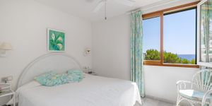 Sea view apartment in first sea line for sale (Thumbnail 8)