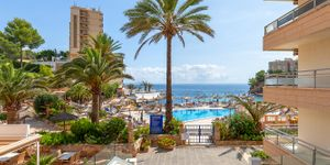 Apartment with sea view at Cala Vinyas beach (Thumbnail 10)