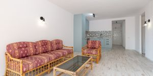 Apartment with sea view at Cala Vinyas beach (Thumbnail 5)