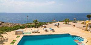 Villa in Cala Pi - Mediterranes Anwesen in direkt am Meer (Thumbnail 3)