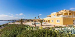 Villa in Cala Pi - Mediterranes Anwesen in direkt am Meer (Thumbnail 2)