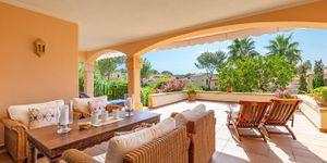 Mediterranean ground floor apartment in popular residence in Santa Ponsa (Thumbnail 1)