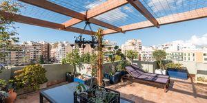 Penthouse in Palma - Schöne Immobilie mit Terrasse und Hafenblick (Thumbnail 1)
