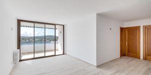 Renovated apartment with sea view in Santa Ponsa (Thumbnail 4)