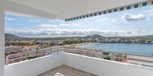 Renovated apartment with sea view in Santa Ponsa (Thumbnail 1)