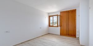 Renovated apartment with sea view in Santa Ponsa (Thumbnail 9)