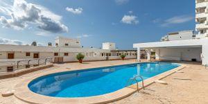 Renovated apartment with sea view in Santa Ponsa (Thumbnail 3)