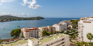 Renovated apartment with sea view in Santa Ponsa (Thumbnail 2)