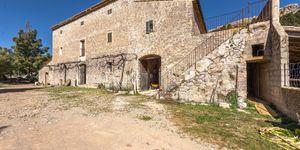 Finca in Escorca - Anwesen zum renovieren im Westen Mallorcas (Thumbnail 1)