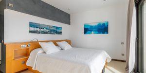 Mediterranean villa with sea views and close to the beach in Cala Vinyas (Thumbnail 9)