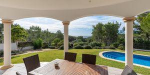 Mediterranean villa with sea views and close to the beach in Cala Vinyas (Thumbnail 3)
