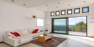 Mediterranean villa with sea views and close to the beach in Cala Vinyas (Thumbnail 7)