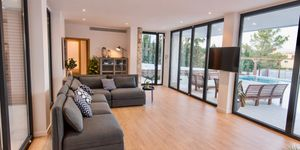 Moderne Neubau Villa (Thumbnail 4)