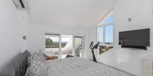 Modernized penthouse with sea views in a popular residence, Santa Ponsa (Thumbnail 8)