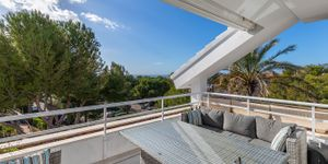 Modernized penthouse with sea views in a popular residence, Santa Ponsa (Thumbnail 2)