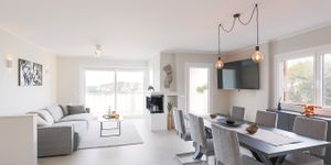 Modern penthouse with sea views in a central location in Santa Ponsa (Thumbnail 5)