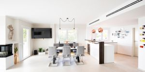Modern penthouse with sea views in a central location in Santa Ponsa (Thumbnail 4)