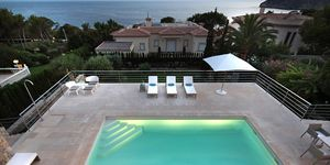 Modern sea view villa for sale in Nova Santa Ponsa (Thumbnail 1)