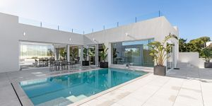 Villa in Santa Ponsa - Neugebautes Anwesen mit Pool und Meerblick (Thumbnail 1)