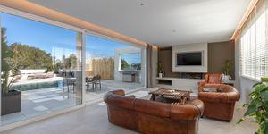 Villa in Santa Ponsa - Neugebautes Anwesen mit Pool und Meerblick (Thumbnail 4)
