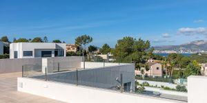 Villa in Santa Ponsa - Neugebautes Anwesen mit Pool und Meerblick (Thumbnail 3)