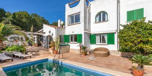 House with pool for sale in Sol de Mallorca (Thumbnail 2)