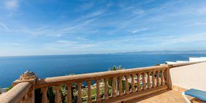 Villa mit traumhaftem Blick in die Bucht von Palma (Thumbnail 4)