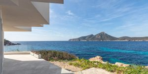 Modern penthouse for sale in Sant Elm (Thumbnail 3)