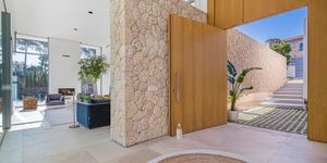 Moderne Neubau Villa ohne Möbel (Thumbnail 3)