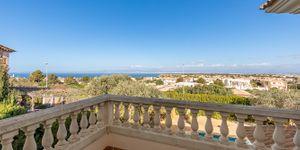 Charming villa with sea view to Palma Bay (Thumbnail 1)